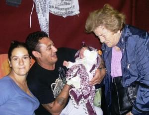 Gli anziani solidali con i Rom sgomberati da Tor de Cenci