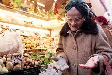 Giornata mondiale dell'alimentazione: in Italia calano i consumi alimentari nelle famiglie con bambini e anziani