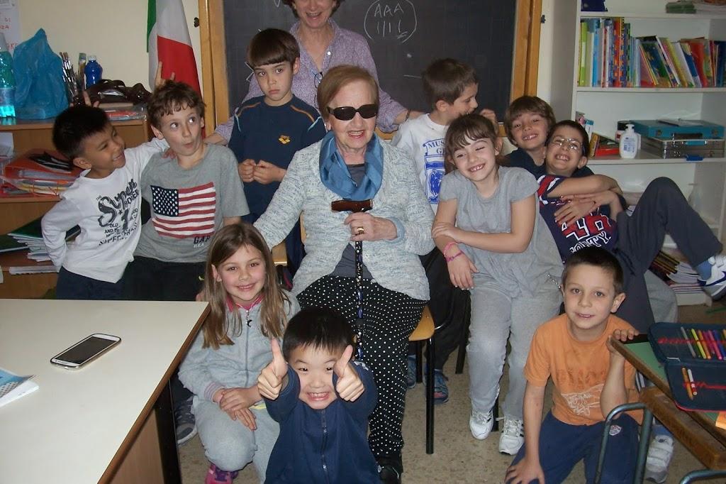 Con i nonni a scuola ci si diverte !