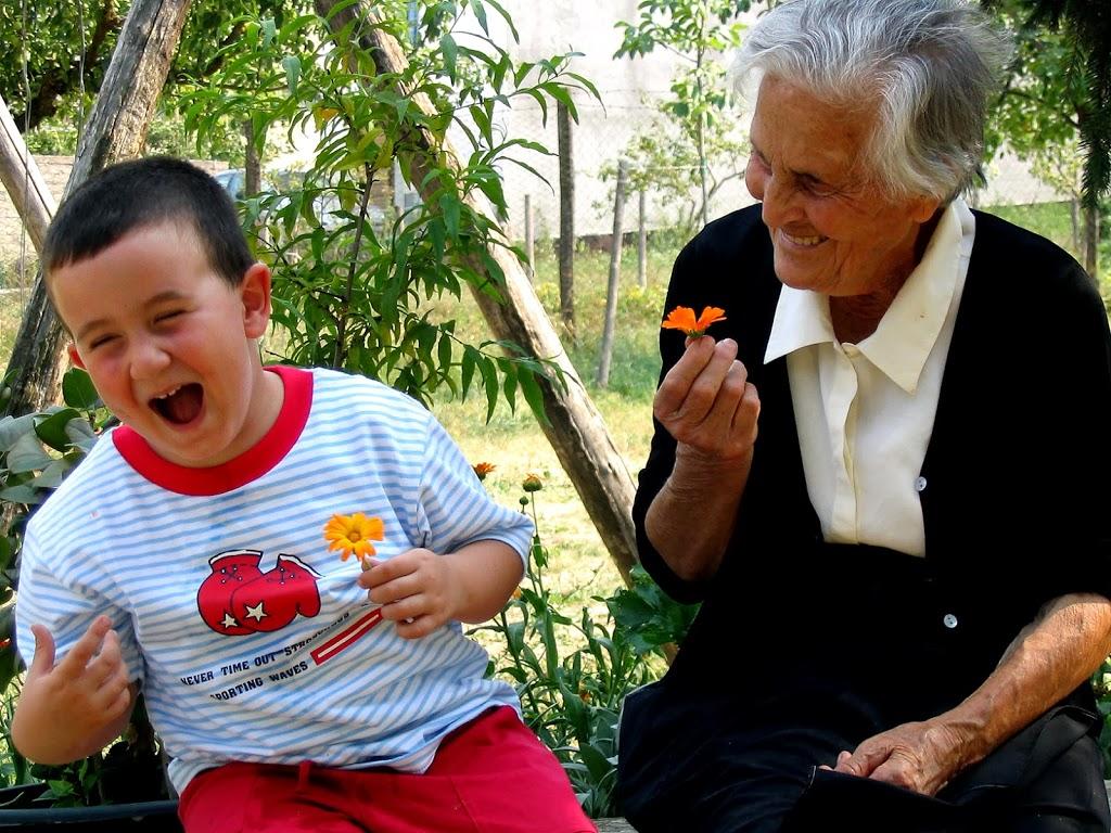 Festa dei nonni: l'anziano al centro della famiglia