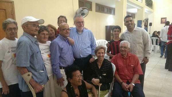 Auguri ad Andrea Riccardi dagli anziani della Comunità di Sant'Egidio