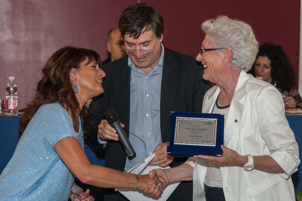 """#ringraziainonni La fotogallery della premiazione del Concorso letterario """"ViVa gli Anziani"""""""