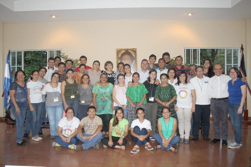 """Il primo corso di formazione """"Viva gli Anziani!"""" dell'America Centrale in Salvador"""