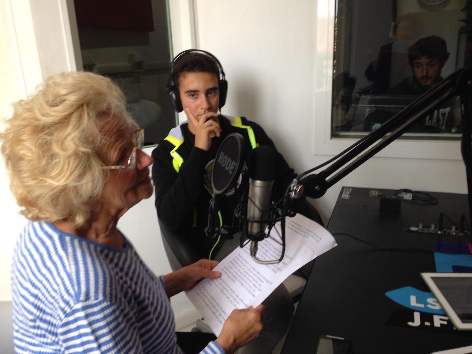 #festadeinonni Auguri ai nonni da Radio Kennedy