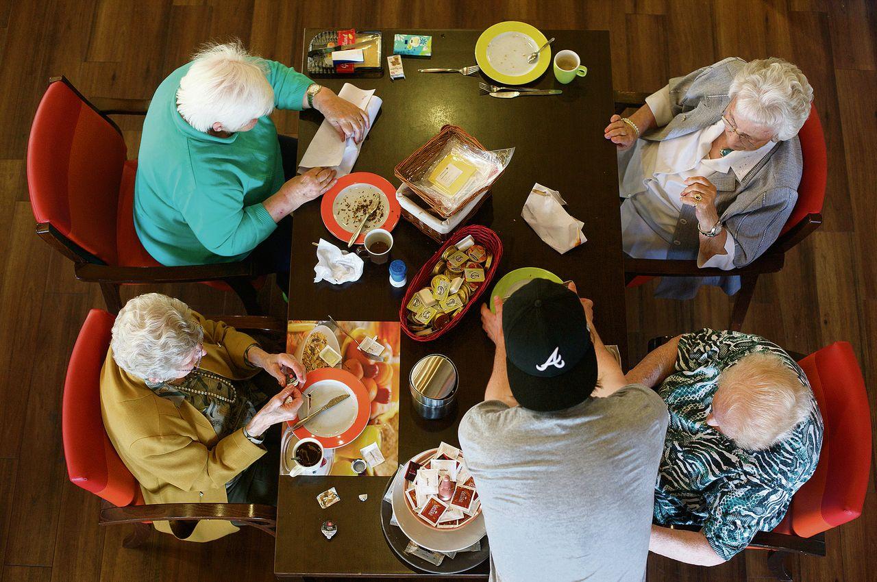 Anziani e studenti vivono insieme ad Amsterdam