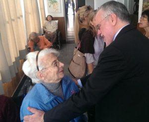 Andrea Riccardi incontra gli anziani in istituto