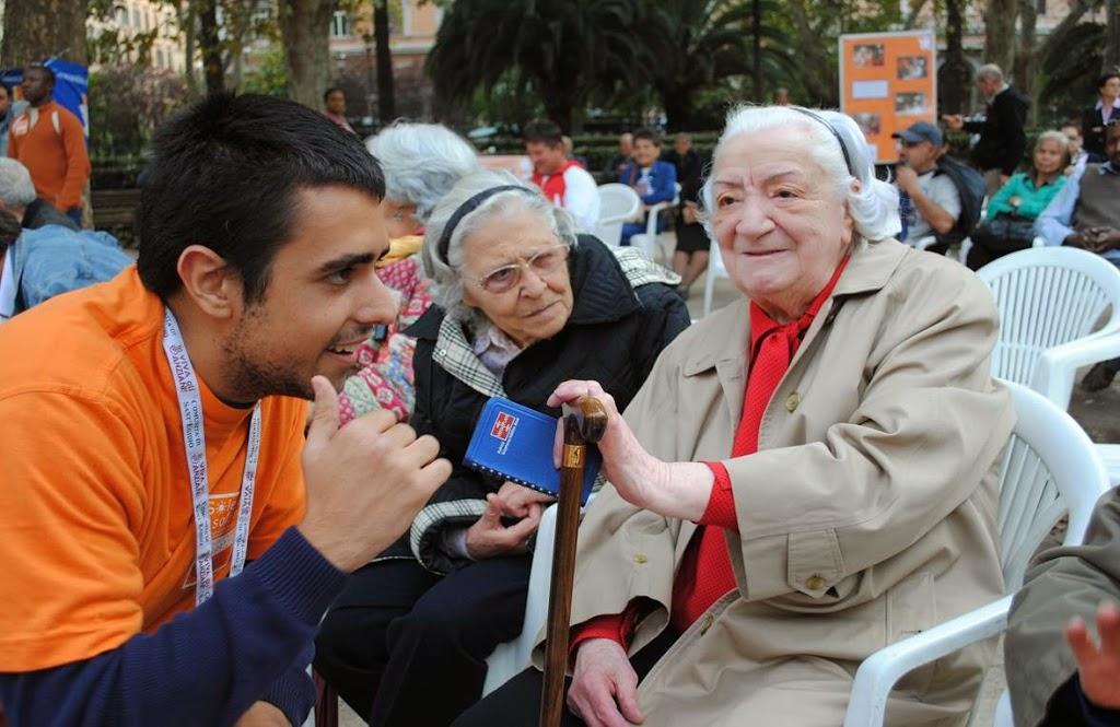 Gli invisibili. Frida e il Programma Viva Gli Anziani!