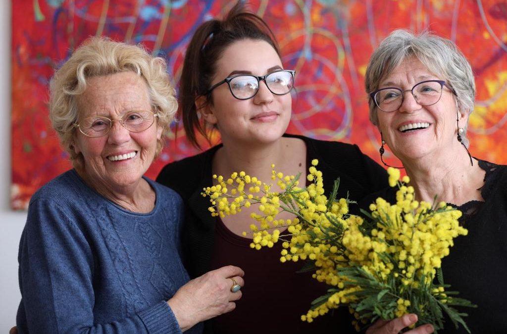 Convivere insieme anziani e stranieri, ricevere aiuto e vincere la solitudine