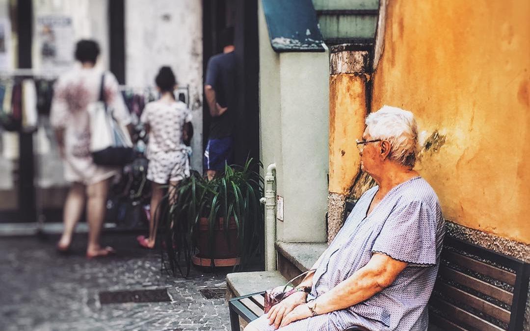 Anziani e solitudine: un metodo per evitare l'isolamento in 4 passi