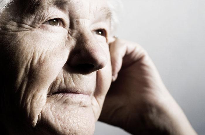 Senza anziani non c'è futuro. Appello per ri-umanizzare le nostre società. No a una sanità selettiva