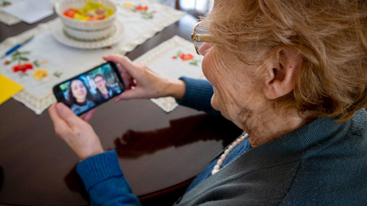 Festa dei nonni 2020, senza anziani non c'è futuro